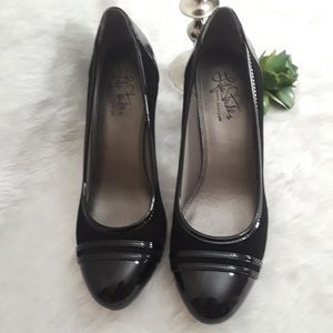LIFE STRIDE Soft System black heels